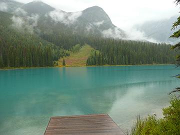 Regen Emerald Lake